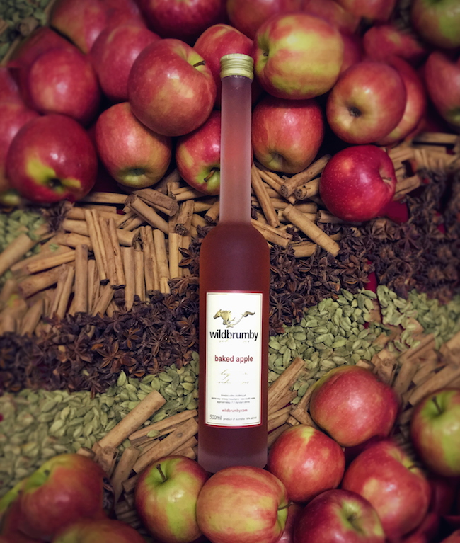 """<a href=""""/schnapps"""">It's Baked Apple Season</a><br /><br /><a href=""""/schnapps"""" class=""""button white is-outline is-medium"""" ><span>SHOP</span></a>"""